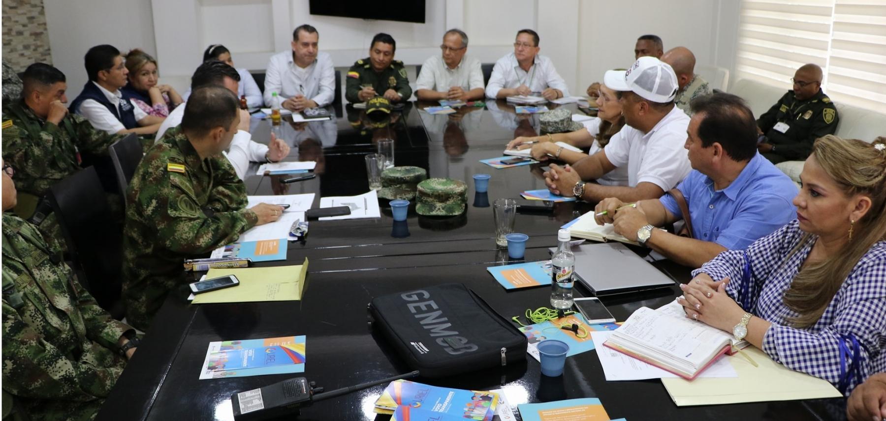 Con funcionario del ministerio del interior se eval a for Noticias del ministerio de seguridad